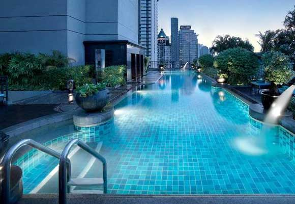 Banyan-Tree-Hotel-pool